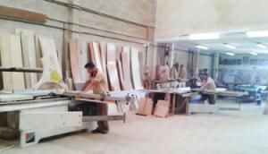 trabajadores-armarios-del-sur-fabricantes-375x215